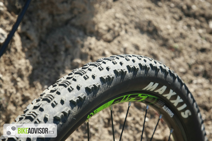 Continental Bike Tires >> Review: Maxxis Aspen 27.5×2.10 mountain bike tires (2015)