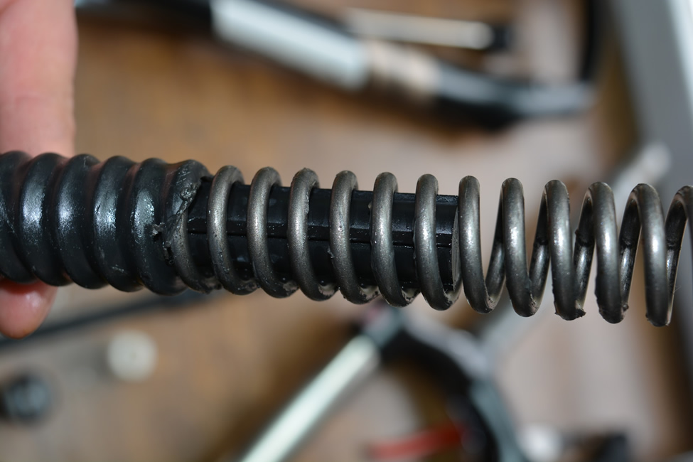air-cartridge-or-coil-bicycles-suspension-5